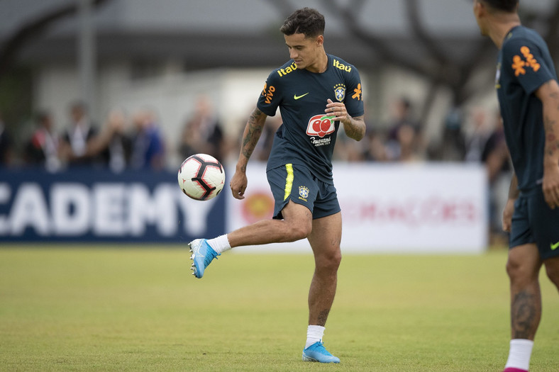 Philippe Coutinho was among the high profile Brazil stars in training (Twitter/CBF_Futebol)