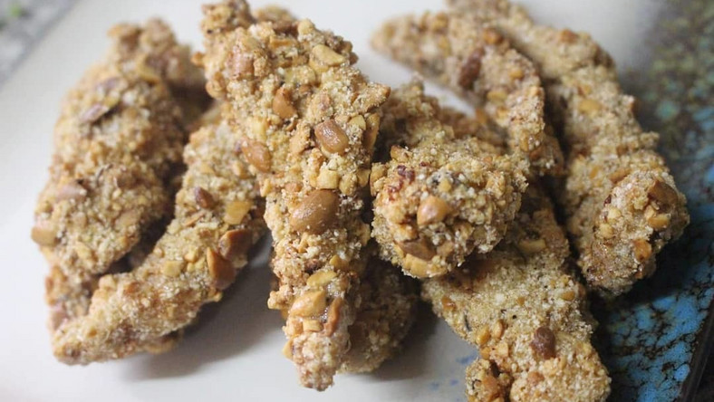 """""""<a href=""""https://www.instagram.com/p/B1PQtJ9nIa3/"""" target=""""_blank"""">From the archives - Garri peanut chicken strips😍nYes Garri and epa you heard right..n#cheframs</a></div>n""""},""""platform"""":{""""code"""":""""pulsembed""""},""""alignment"""":""""center""""}"""