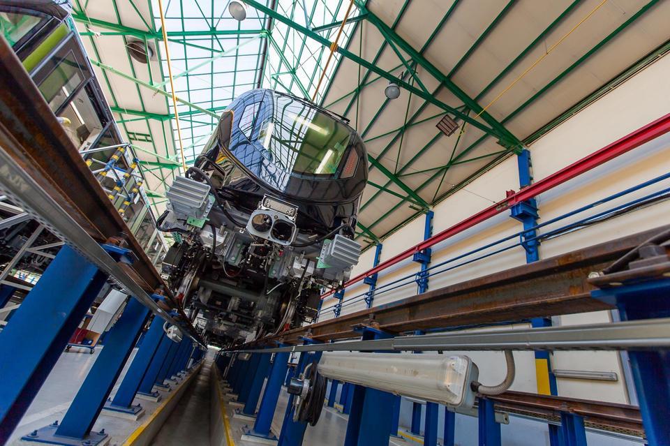Zakład Alstom-Konstal w Chorzowie jest przystosowany do produkcji 5 składów Metropolis miesięcznie.