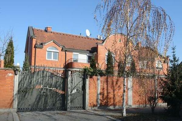Ovako izgleda spoljašnjost kuće Saše Popovića, a tek da vidite kakav je LUKSUZ UNUTRA!