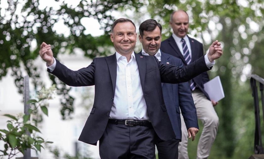Prezydent Andrzej Duda hojny dla polityków z rządu i najważniejszych urzędów. Zdecydował o wysokich podwyżkach.