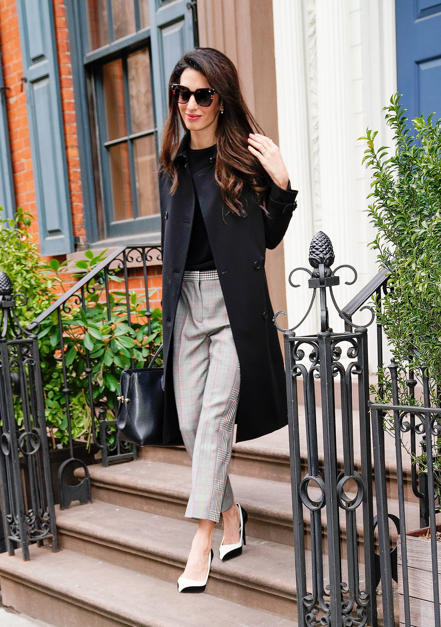Zasady stylu Amal Clooney / Jackson Lee / GettyImages