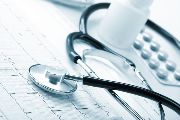 1215 szpitali udziela świadczeń w trybie szpitalnym i jednego dnia