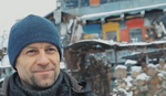 MAJSTOR RECIKLAŽE Oleg živi u kućerdi na TRI SPRATA koju je sam sagradio i to na NESTVARAN NAČIN (FOTO, VIDEO)