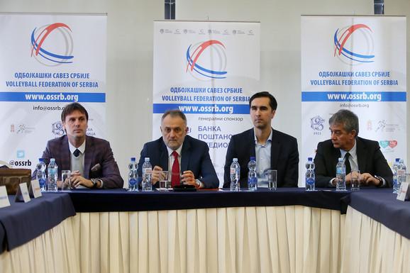 Zoran Gajić predsedava sastankom klubova