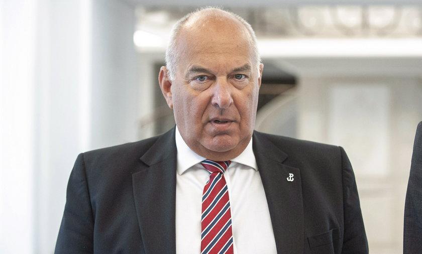 Tadeusz Kościński minister finansów. To jego resort przygotował projekt zmian zakładający wyższe mandaty.