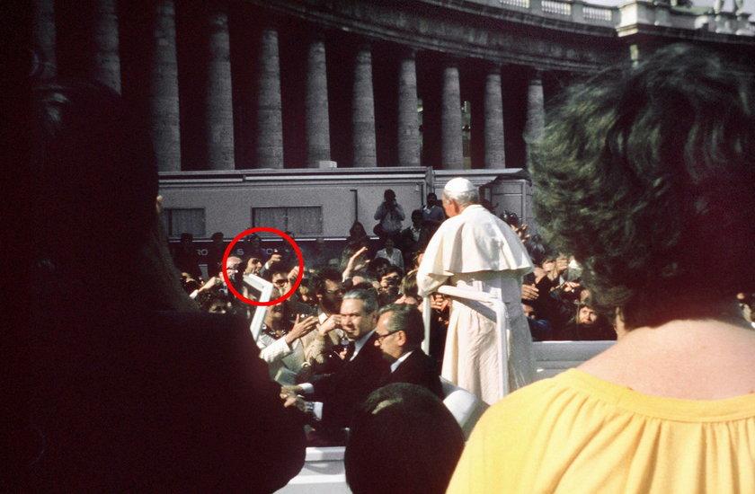 To tam przewidziano atak na papieża. Dziesiątki tysięcy ludzi przeszło przemianę