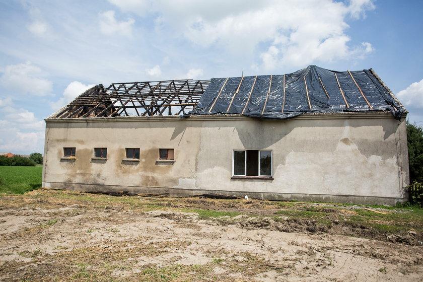 W dom rodziny Kaczmarków w Czarnym Sadzie uderzył piorun