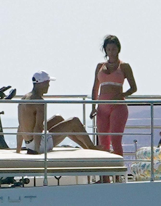 Ronaldo i Georgina na jahi u Italiji