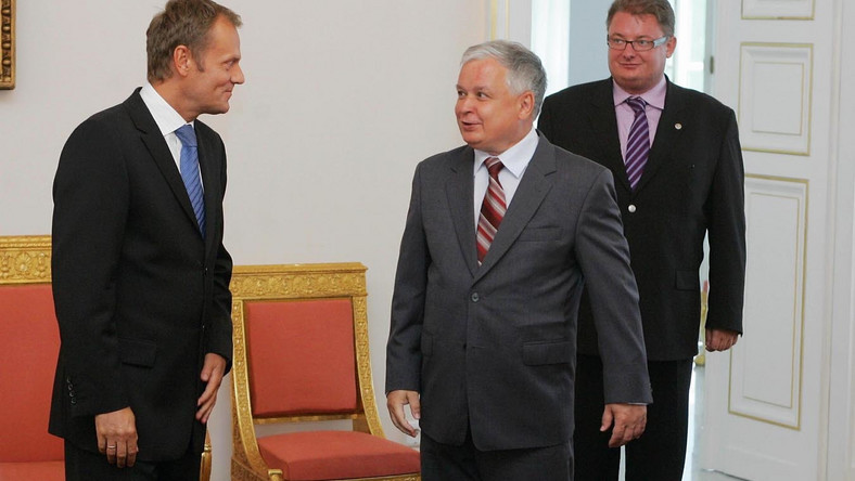 Lech Kaczyński przemówi w Brukseli głosem Donalda Tuska