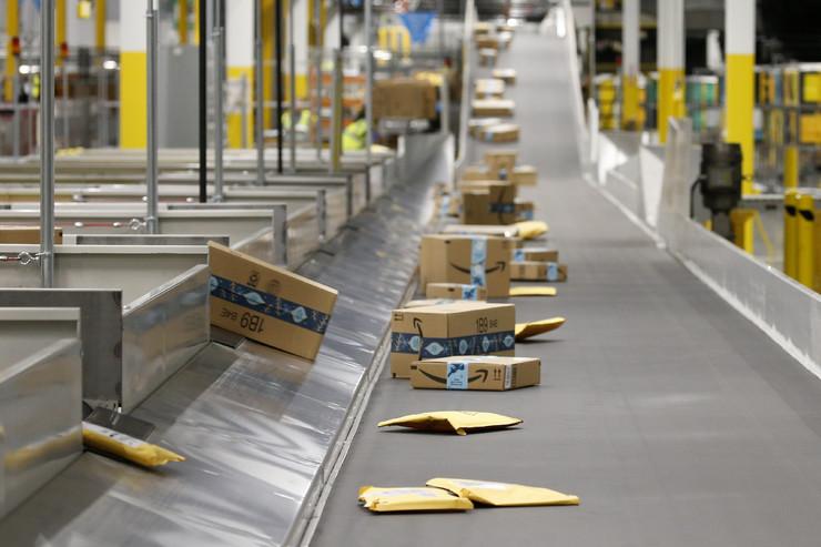 Amazon, Bezos, skladište