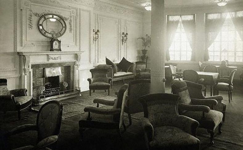 Jedno z pomieszczeń dla I klasy na Titanicu