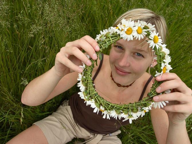 Danas je Duhovski ponedeljak, a jedan lep običaj namenjen je devojkama koje žele da se udaju