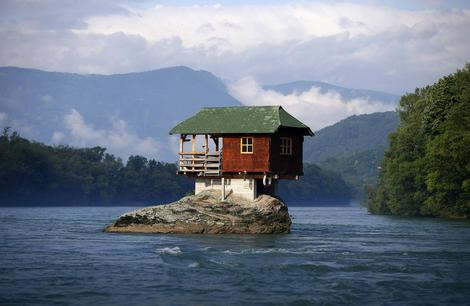Kuća odoleva vetru i vodi već skoro pola veka