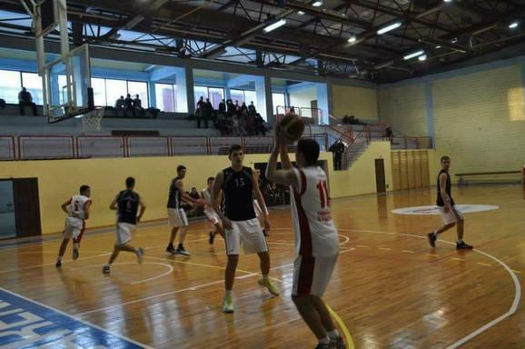 Srednjoškolski duel: Aleksandar Petrović - Nikola Jokić