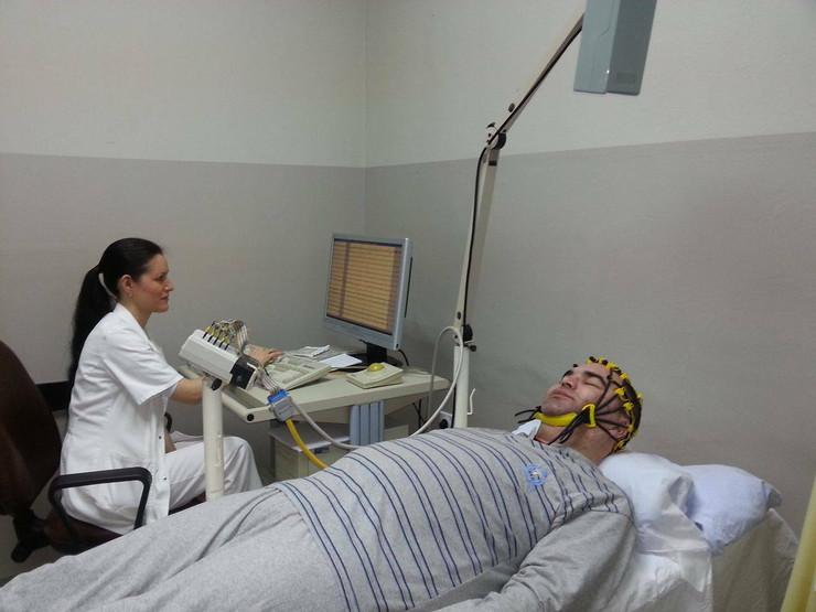 EEG snimanje mozga, foto V. Toroviå