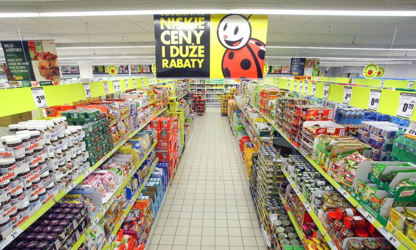 Biedronka zmniejszy sklepy? Ekspert stawia sprawę jasno
