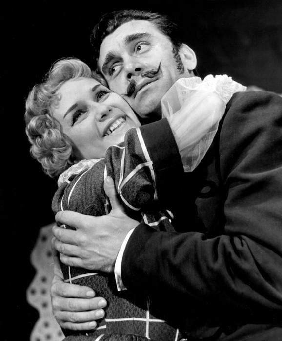 Dragan Laković ostvario je značajan glumački opus, pre svega, u mjuziklima Pozorišta na Terazijama