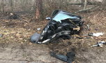 Części auta leżały na kilkunastu metrach. Tragedia pod Łobżenicą