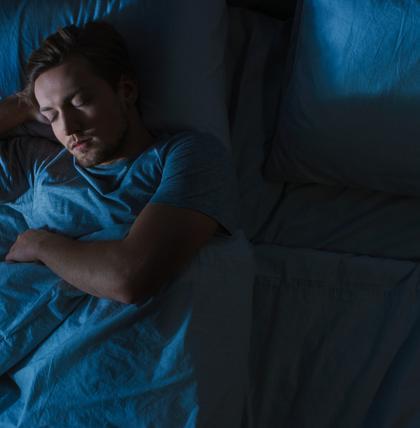 Wie wir unsere Gedanken im Schlaf steuern