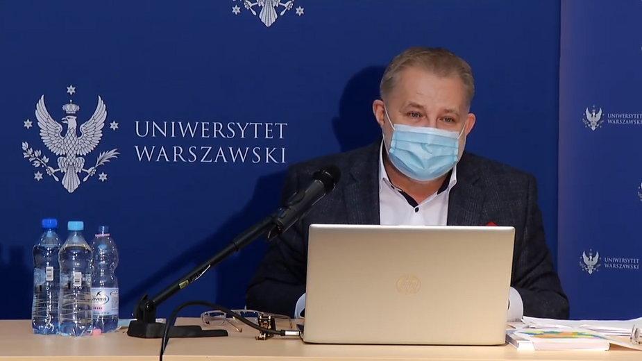 Prof. Zbigniew Izdebski ogłasza wyniki raportu o życiu seksualnym Polaków w 2020 roku