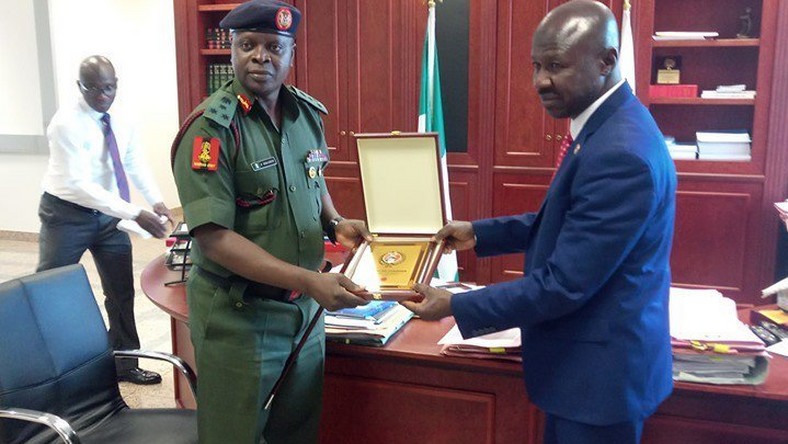The National Youth Service Corps (NYSC) Director-General, Brig. Gen. Shuaibu Ibrahim, on a visit to the EFCC Chairman, Ibrahim Magu [Twitter/@officialEFCC]