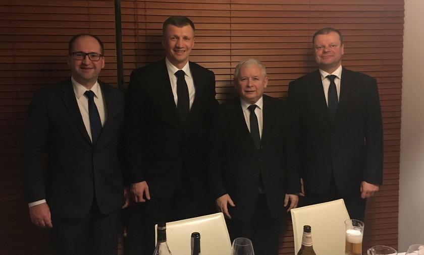 Spotkał się z Kaczyńskim przy kuflu. I jest efekt!