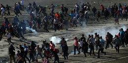 Szturm migrantów na USA. Użyto gazu łzawiącego