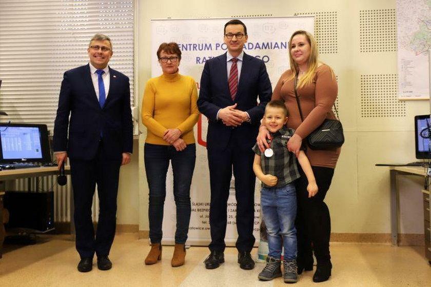 """Usłyszała: """"Mama ma zamknięte oczka"""". Teraz o Rafałku mówi cała Polska"""