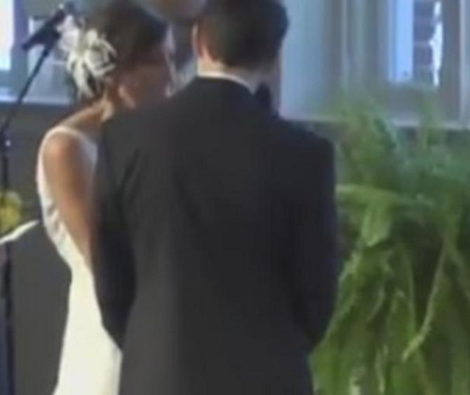 Snimak s venčanja: Mlada nije znala da njen budući muž nosi mikrofon
