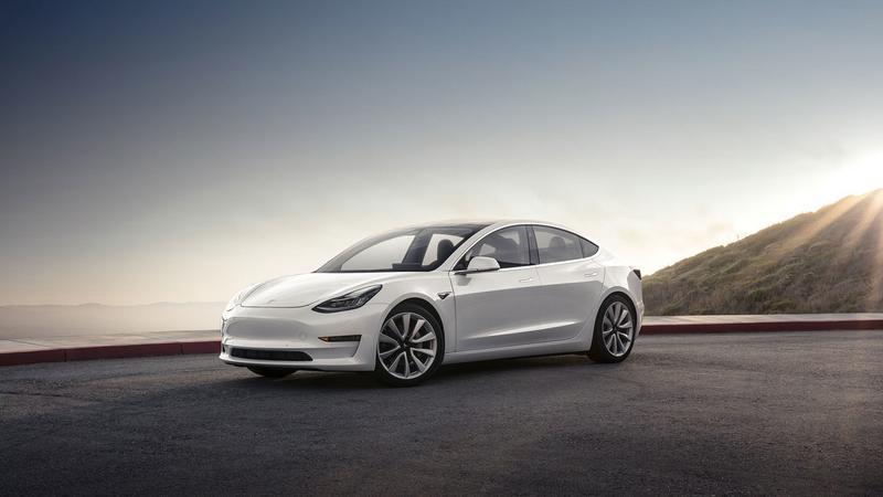 Mocniejsza Tesla Model 3 dopiero w przyszłym roku