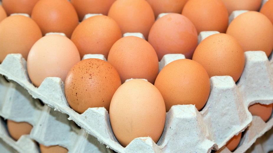 Nie powinno się umieszczać jajek w mikrofalówce