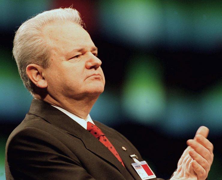 slobodan milošević08 SPS kongres februar 2000 foto EPA SASA STANKOVIC