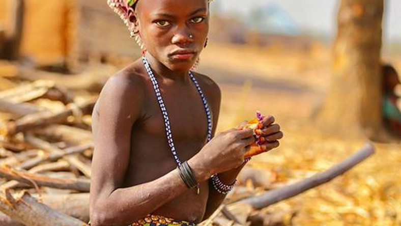Nudist Tribes Public Sex - Meet the Kambari people: One of the few naked tribes of ...