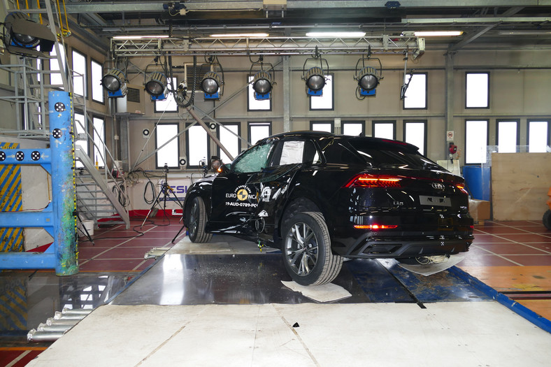 Crash-test: Audi Q8