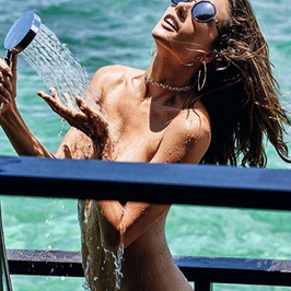 Alessandra Ambrosio nago na Instagramie. Jest gorąco!