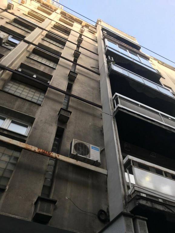 Zgrada u Beogradskoj 60 odakle je pala fasada