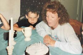 Od dana kada je moj sin Aleks umro od mene svi očekuju JEDNU STVAR: A umesto nje, ja radim nešto SASVIM DRUGO
