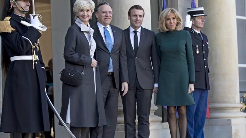 Premier Quebecu wraz z żoną przebywają dziś w wizytą we Francji, gdzie podejmuje ich para prezydencka...
