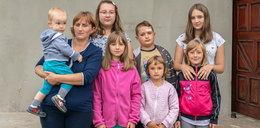 Pani Dorota została sama z siedmiorgiem dzieci. Pomóżmy wdowie wybudować dom