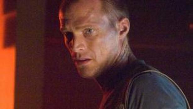 "Paul Bettany w filmie ""Legion"""