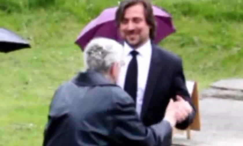 Agent Tomek tańczy z babcią