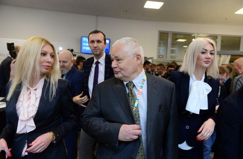 Narodowy Bank Polski o polityce kadrowej i zarobkach współpracowniczek Adama Glapińskiego