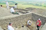 NIS17 rad arheologa na lokalitetu Velika humska cuka kod Nisa foto Aleksandar Bulatovic