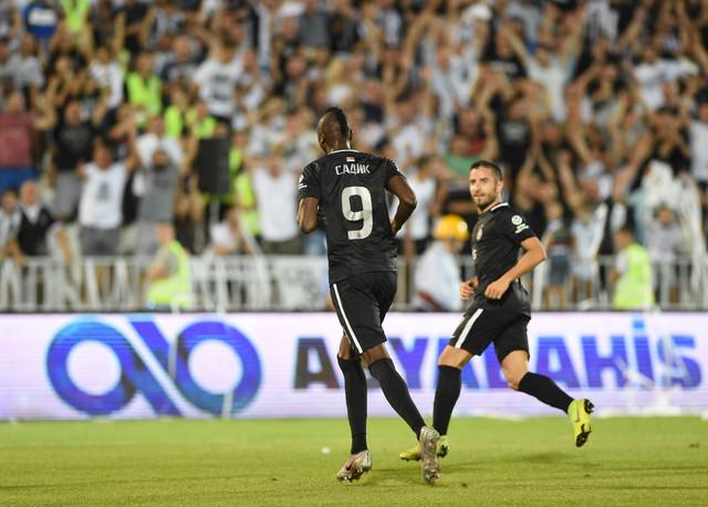 Slavlje crno-belih tokom meča sa Malatjasporom