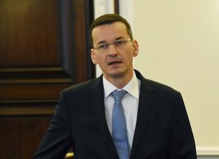 Morawiecki: Podatek bankowy i od hipermarketów już nawet od 2016 roku