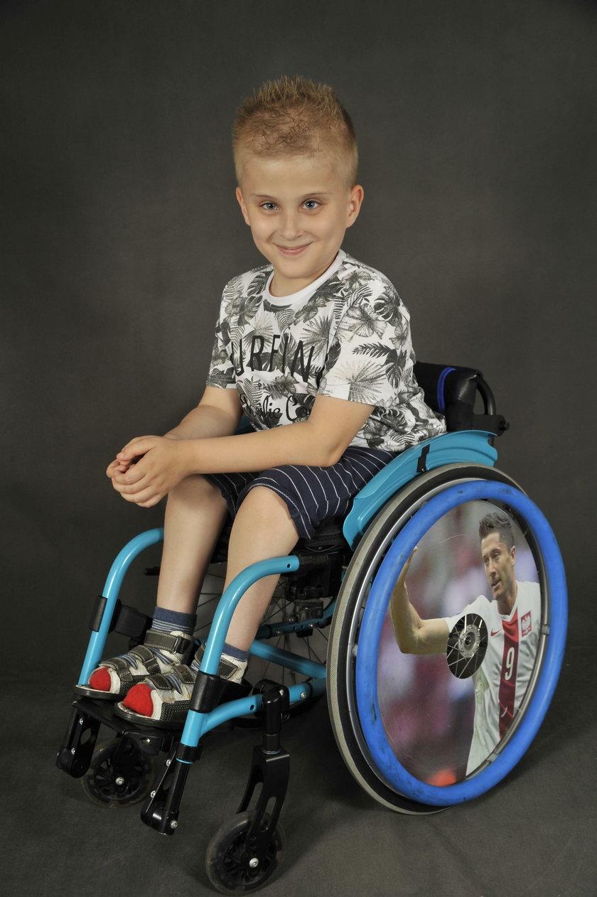 Pomóżmy Nikosiowi zejść z wózka
