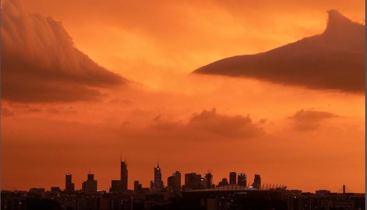 Warszawa jak z filmu science-fiction. Zobacz niesamowite ZDJĘCIE stolicy!