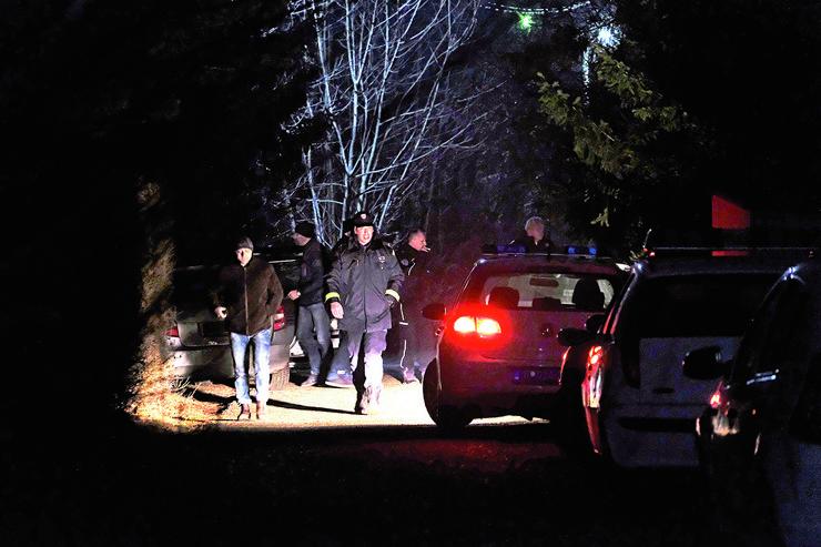policija uvidjaj gepek hronika tresnja_080217_RAS foto petar markovic 08