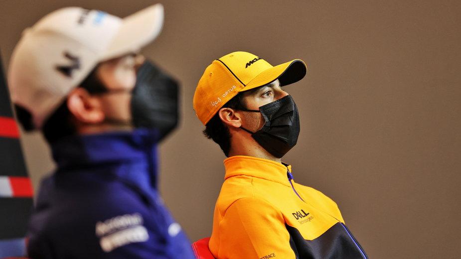 Daniel Ricciardo (z prawej)
